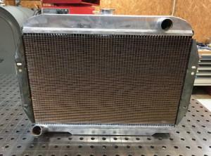Proradia-radiateur-sur-mesure-Jeep-V8-5litres2-06